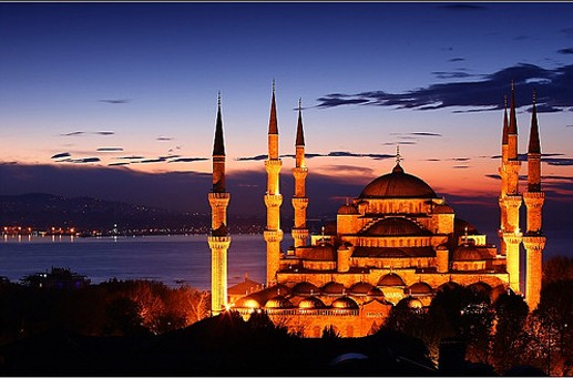 Brand-New-Day-over-The-Blue-Mosque-in-Istanbul-turkey-nationalturk-0457-e1337347151297